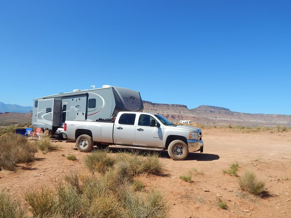 RV located outside Zion in the dessert surrounded by mountains when we were RV boondocking