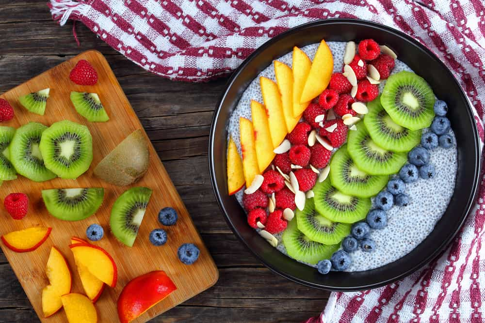 Healthy camping foKiwi, strawberry and pineapple no-cook camping meals