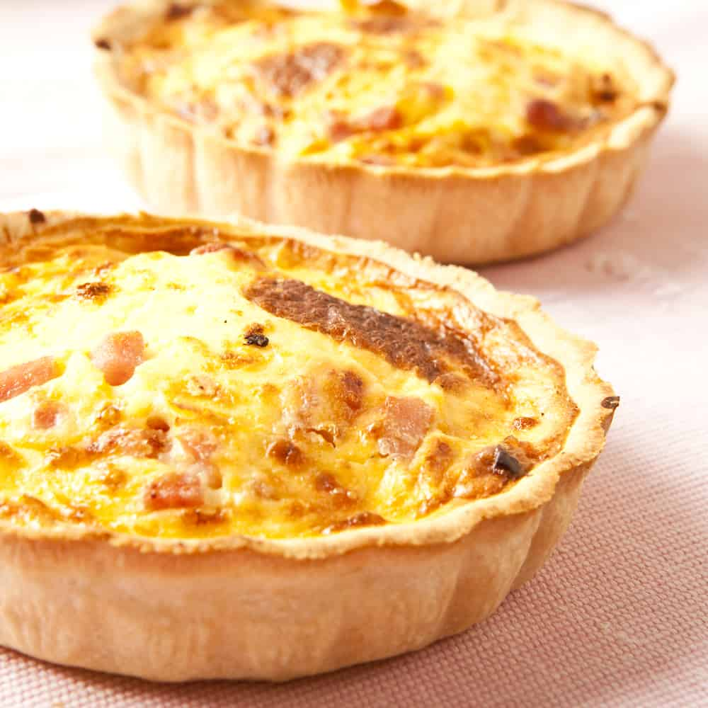 Cast iron skillet quiche with ham and cheese