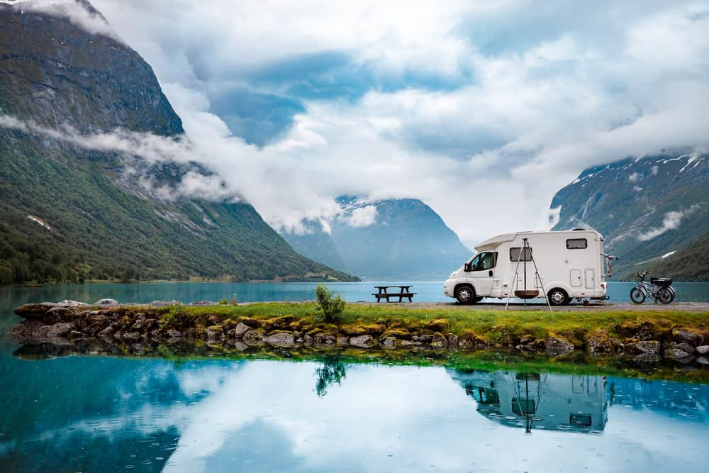rv boondocking by lake