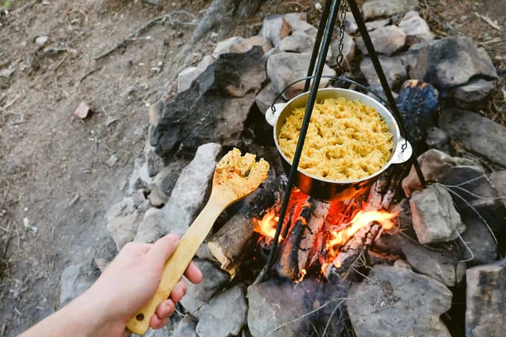 campfire rice in dutch oven