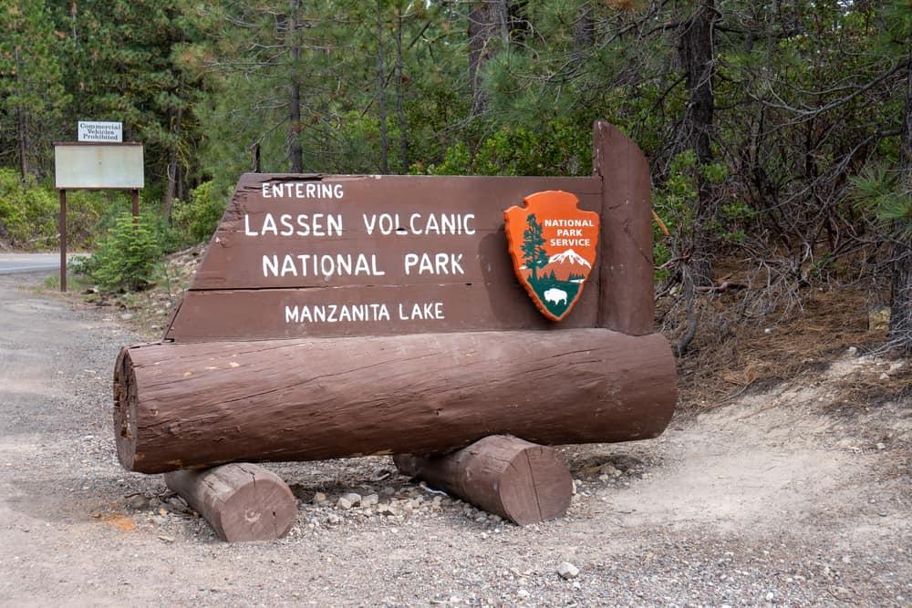 lassen volcanic np sign