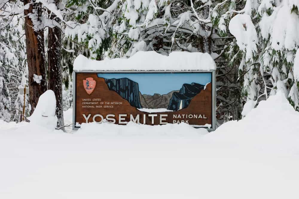 yosemite NP sign