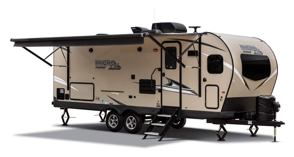 Lightweight travel trailer with 2 beds