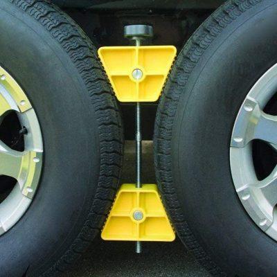 camco wheel chockes in between trailer tires